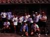 tn_1990-08-14-164-FOTO-DI-GRUPPO-CON-MAGLIETTE-PERSONALIZ.