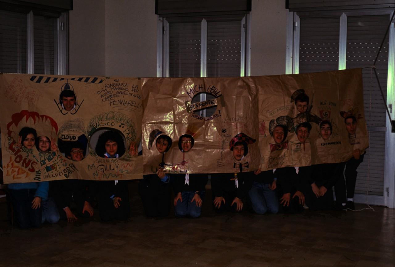 tn_1989-11-22-FOTO-DI-GRUPPO-34